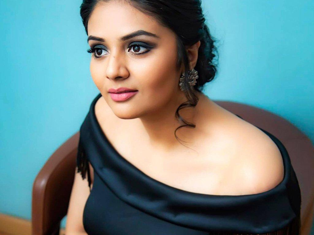 sreemukhi-big-boss