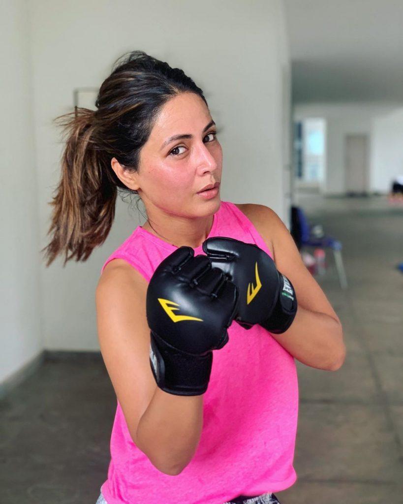 hina khan no makeup gym hot pics