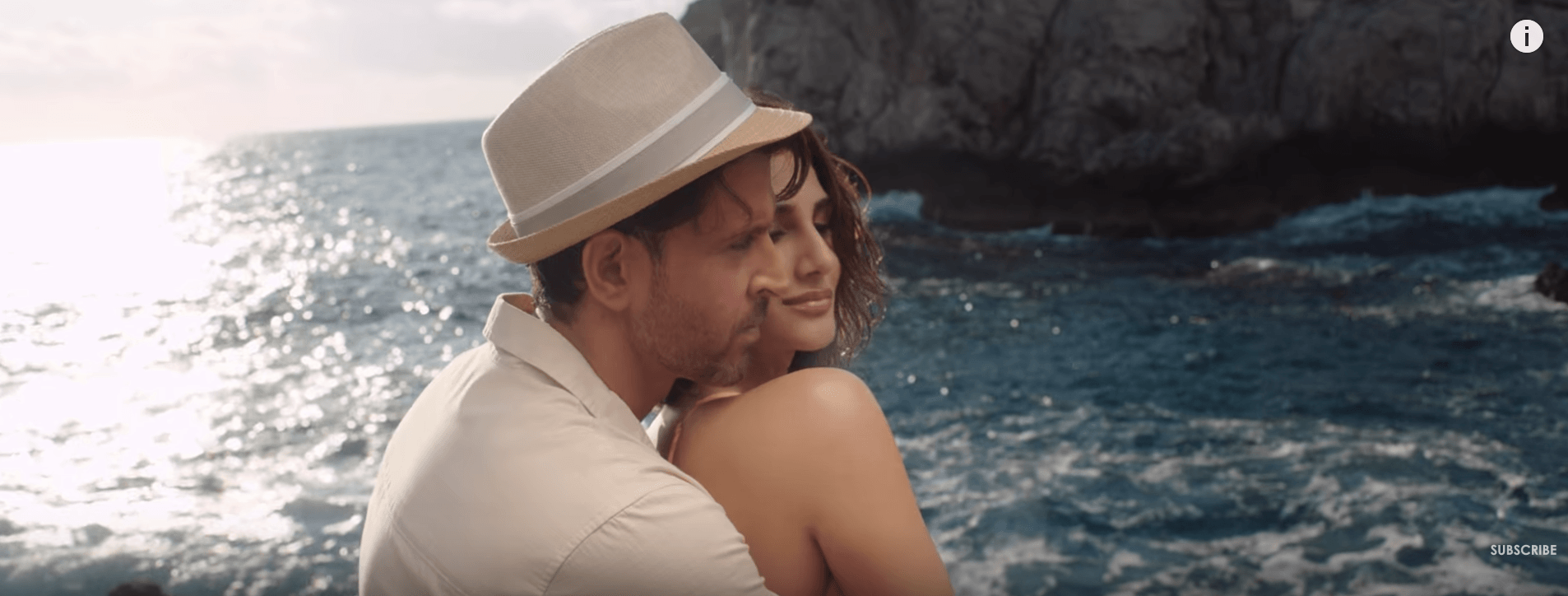 War Movie Ghungroo Video Song Released - A sensual romance