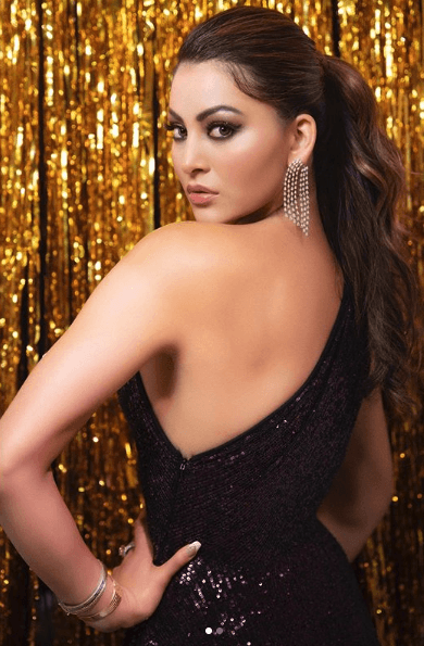 Urvashi Rautela sexy backless gown