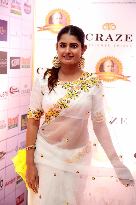 ashima narwal sexy saree photo 2019