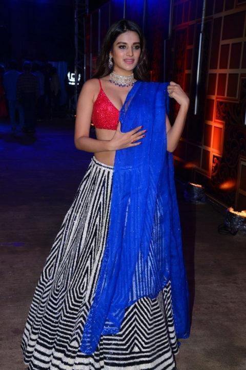 Nidhhi Agerwal sexy photos zee kumbam awards 2019