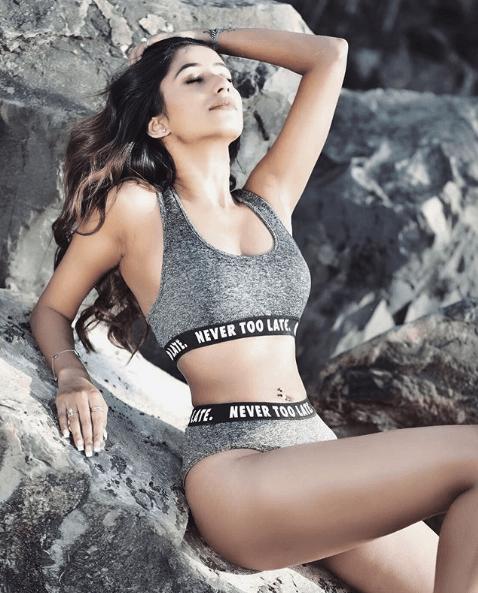 Maera Mishra sexy photos