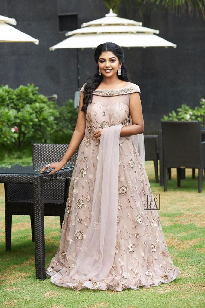 Riythvika sexy photos
