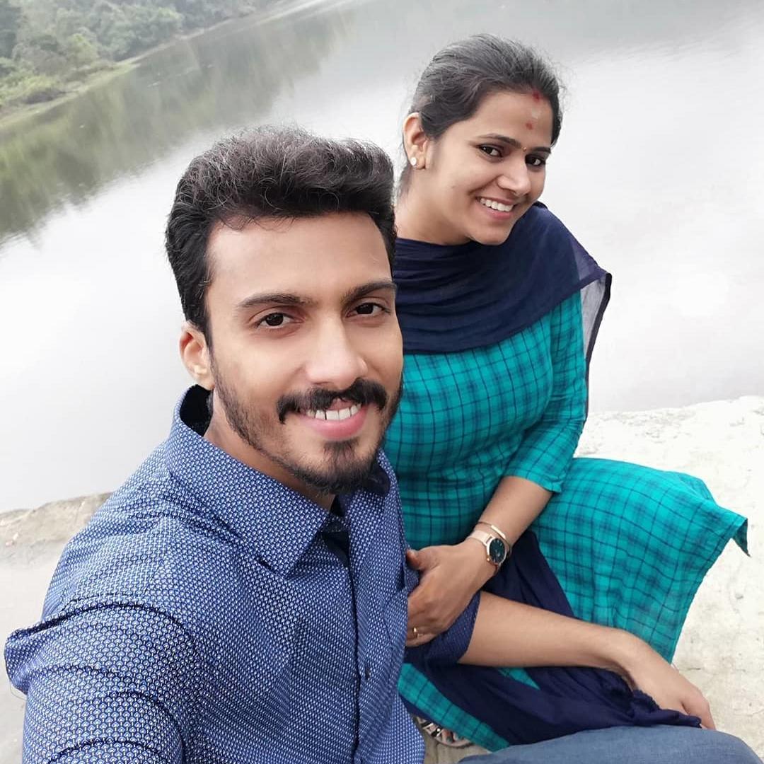 Super Singer Vikram wife honeymoon