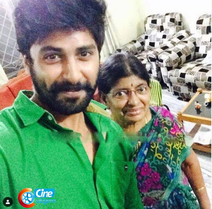Cook With Comali Ashwin with Mother
