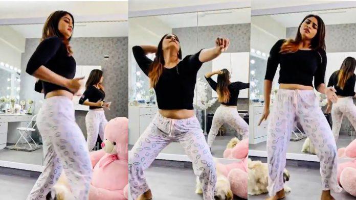Shivani Narayanan dancing Vadivelu Song