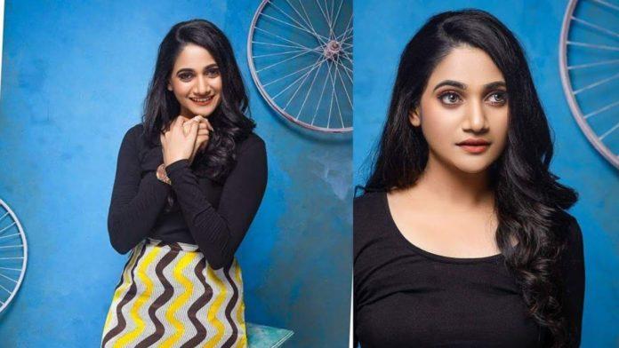 losliya saree photoshoot exclusive photoshoot